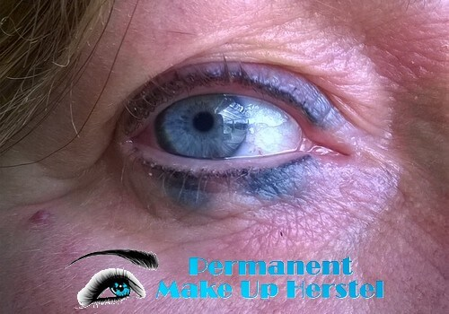 Eyeliner die uitgelopen is verwijden 1